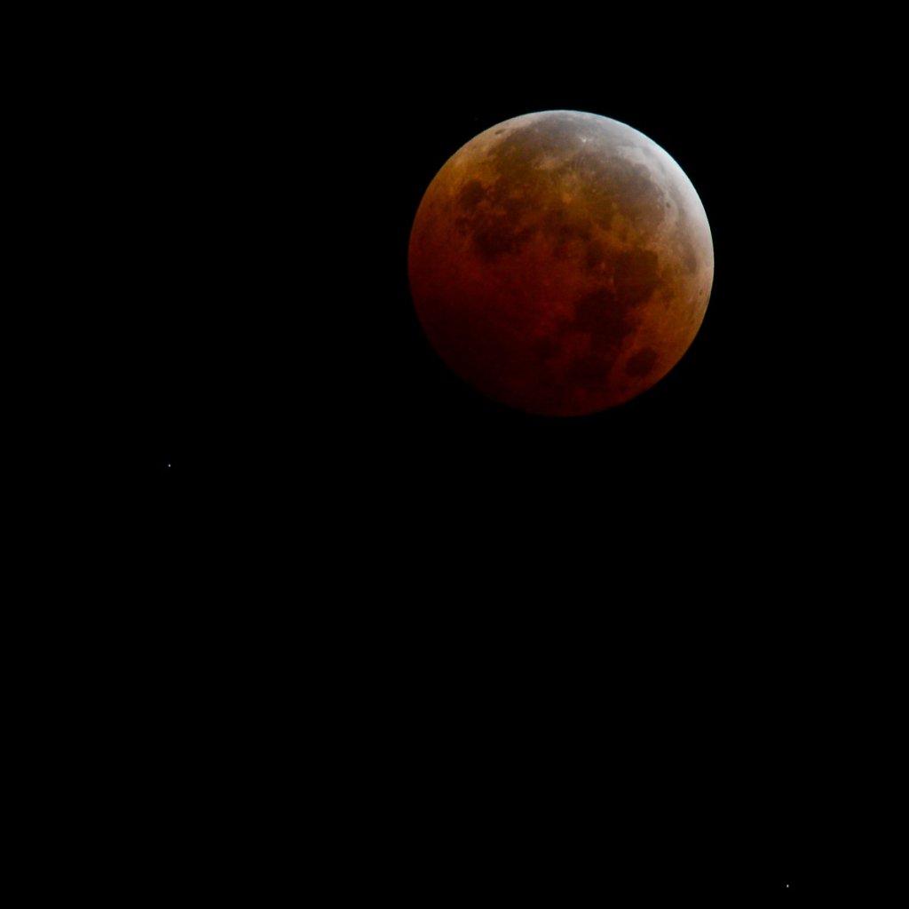 Total Lunar Eclipse over Uranus